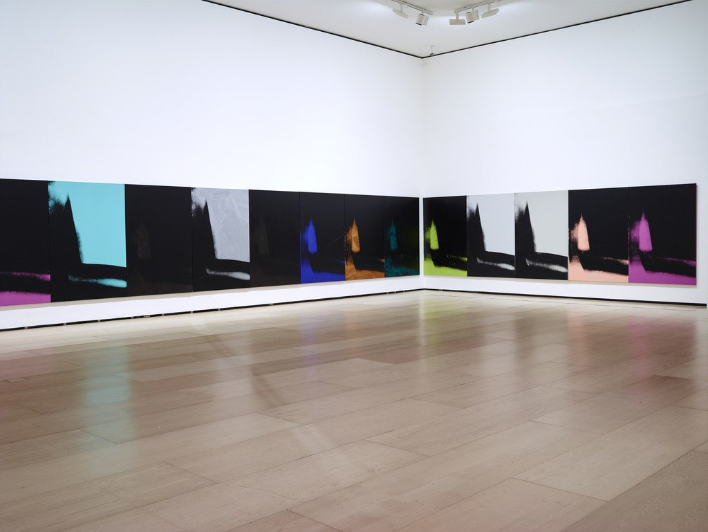 Andy Warhol, Shadows (1978–79). Installation view at Dia: Beacon, New York. © The Andy Warhol Foundation for the Visual Arts, Inc. / VEGAP Photo: Bill Jacobson