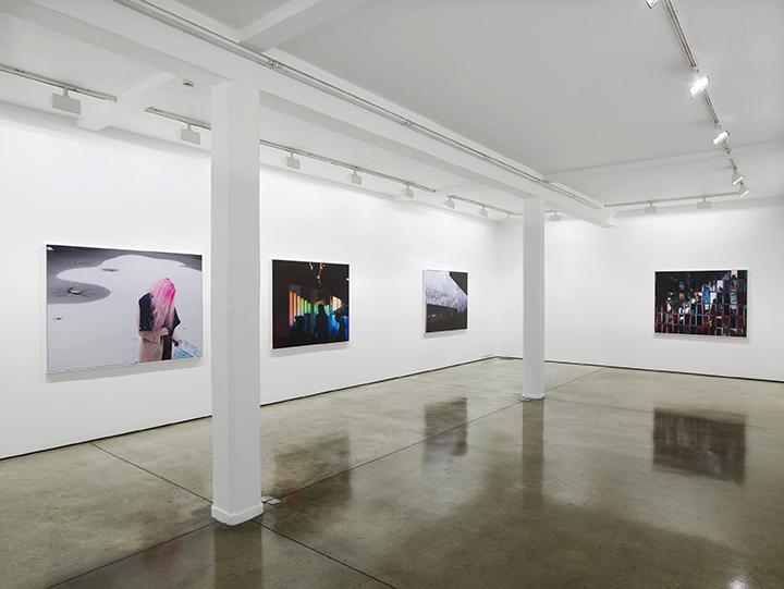 Hannah Starkey, exhibition view at Maureen Paley, London 2016