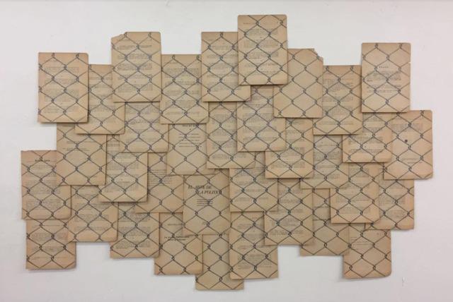 """, 'Alambrado sobre """"El arte de la política"""",' 2010, Arróniz Arte Contemporáneo"""