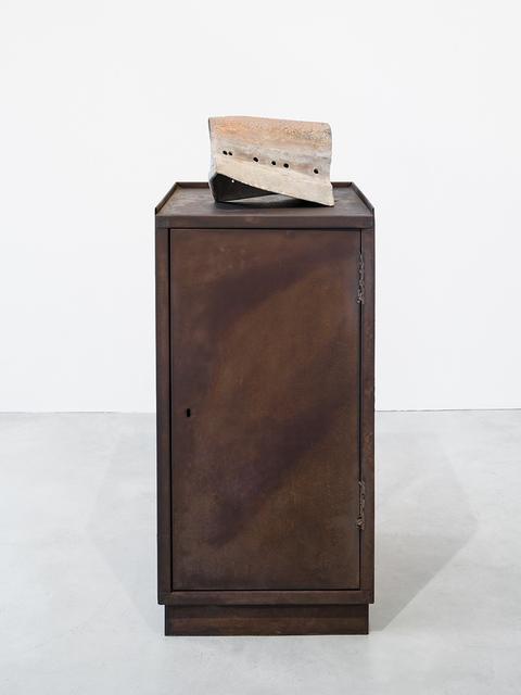 , 'Vorbau auf Kiste,' 2017, Galerie Nordenhake