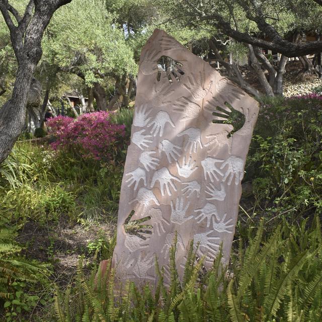 , '[ 16 ] Manos,' , ÆRENA Galleries and Gardens