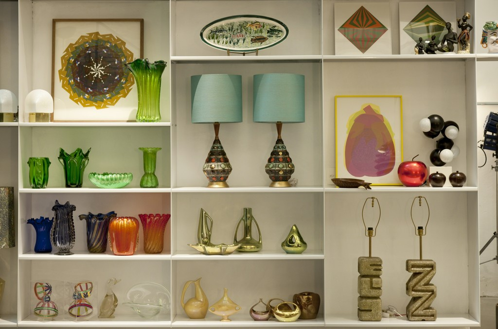 Ceramic objects and table lamps.