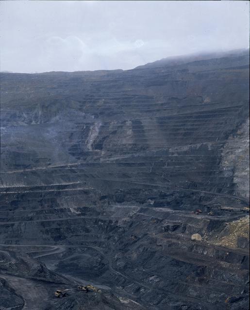 , 'Castillete. Retablo minero (El centro en desplazamiento I),' 2010-2014, adhoc