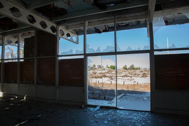 , 'Looking-back (série Desert Shores),' 2015, Galerie Hugues Charbonneau