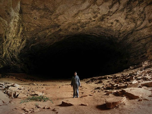 ", 'Places of Power, The Cave da série ""Places of Power"",' 2013-2015, Luciana Brito Galeria"