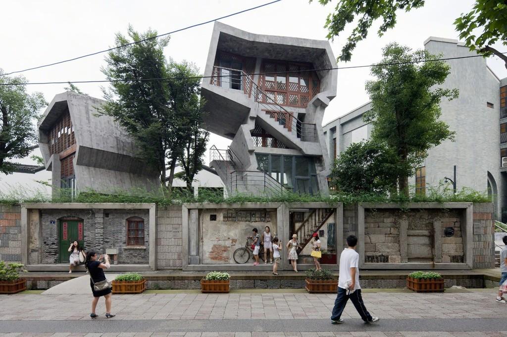 Arkitekturens Værksteder Wang Shu - Amatuer Architecture Studio 09.02 - 30.04 2017    Amateur Architecture Studio Zhongshan Road renoveringsprojekt, Hangzhou, 2009 Photo: Iwan Baan