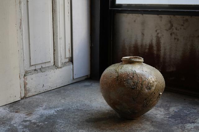 , 'Large  jar natural ash glaze,' , Kami ya Co., Ltd.