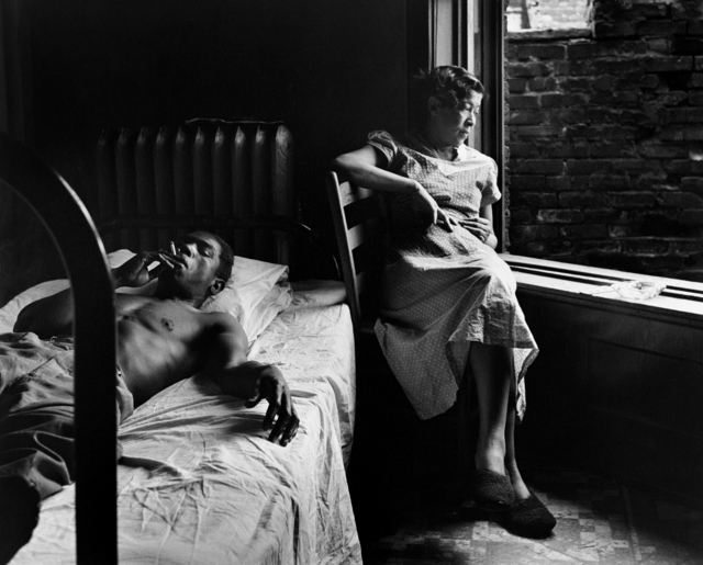 , 'Tenement Dwellers, Chicago, Illinois, 1950,' 1950, Rhona Hoffman Gallery