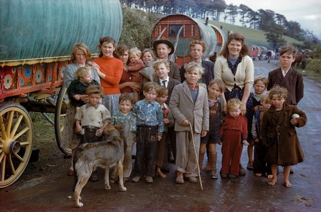 Inge Morath, 'Gypsy Family, Killorglin', 1954, °CLAIR Galerie