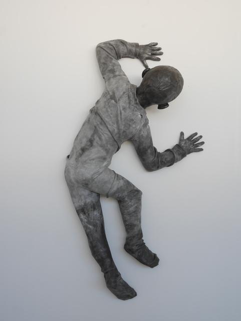 , 'Child crawling on the wall turning (figura de niño),' 2014, Galerie von Braunbehrens
