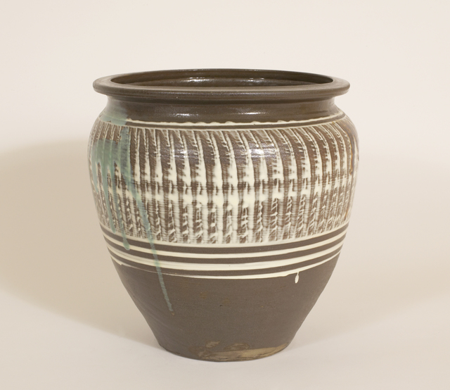 , 'Wide-Mouthed Jar with Hakeme (Brushed Slip) and Yubigaki (Finger Drawn) Design,' n/a, Pucker Gallery