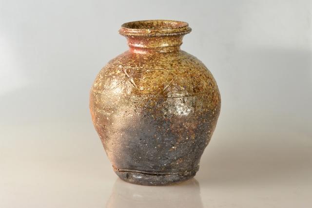 Takahashi Rakusai IV, 'Woodfired Natural Ash Glazed Shigaraki Vase (hanatsubo)', Heisei period-20th Century, Galerie Kommoss