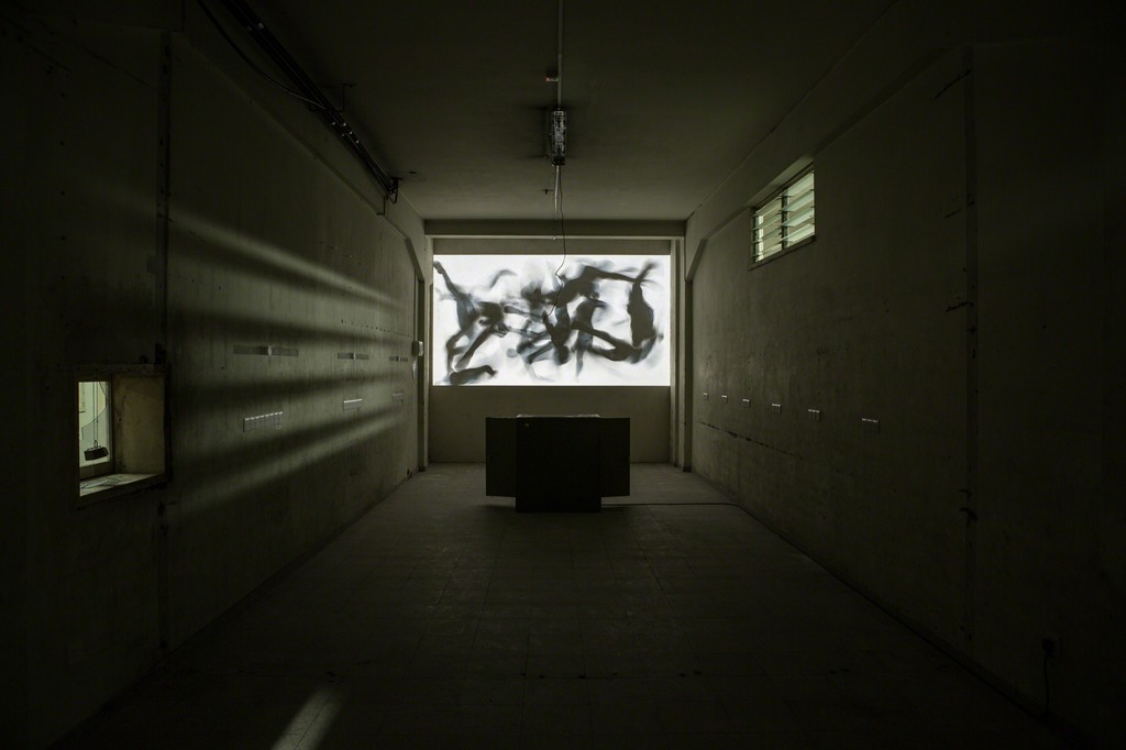 CLUSTER X, video installation, Kurt Hentschläger, 2015. Photography: Antonis Minas