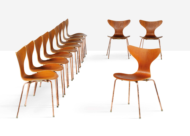 Arne Jacobsen, 'Set of 12 chairs', Aguttes