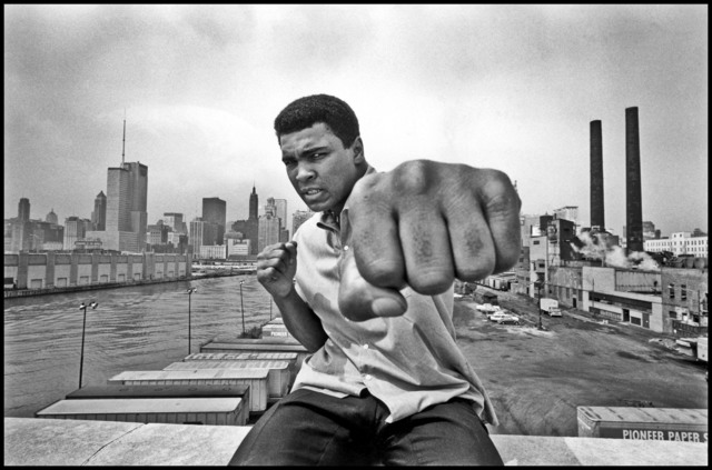 Thomas Hoepker, 'Muhammad Ali on a bridge overlooking the Chicago River and the city's skyline. Illinois, Chicago. USA.', 1966, Magnum Photos