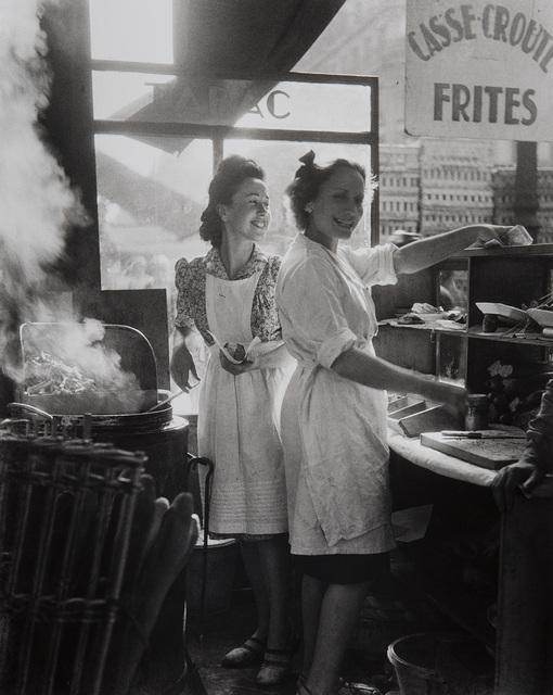 Willy Ronis, 'Marchands de frites, rue Rambuteau, Paris', 1946, Phillips