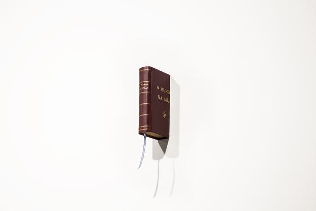 , 'O mundo na mão,' 2016, Irene Laub Brussels