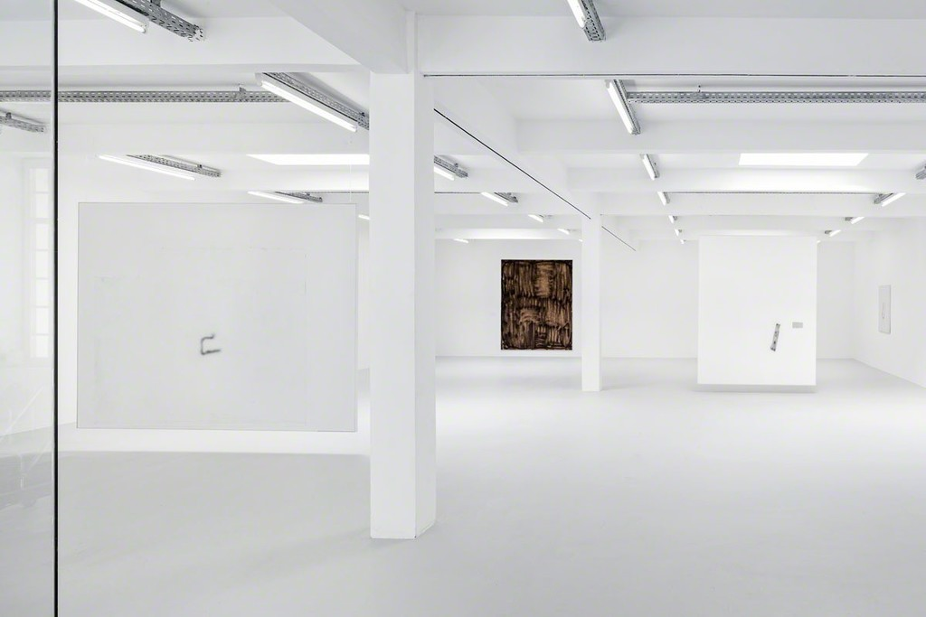 "David Ostrowski ""I want to die forever"", Kunstraum Innsbruck, 2015, installation view © David Ostrowski - Photo: Christian Vorhofer. Post Production: Hans-Georg Gaul. Courtesy Peres Projects, Berlin."
