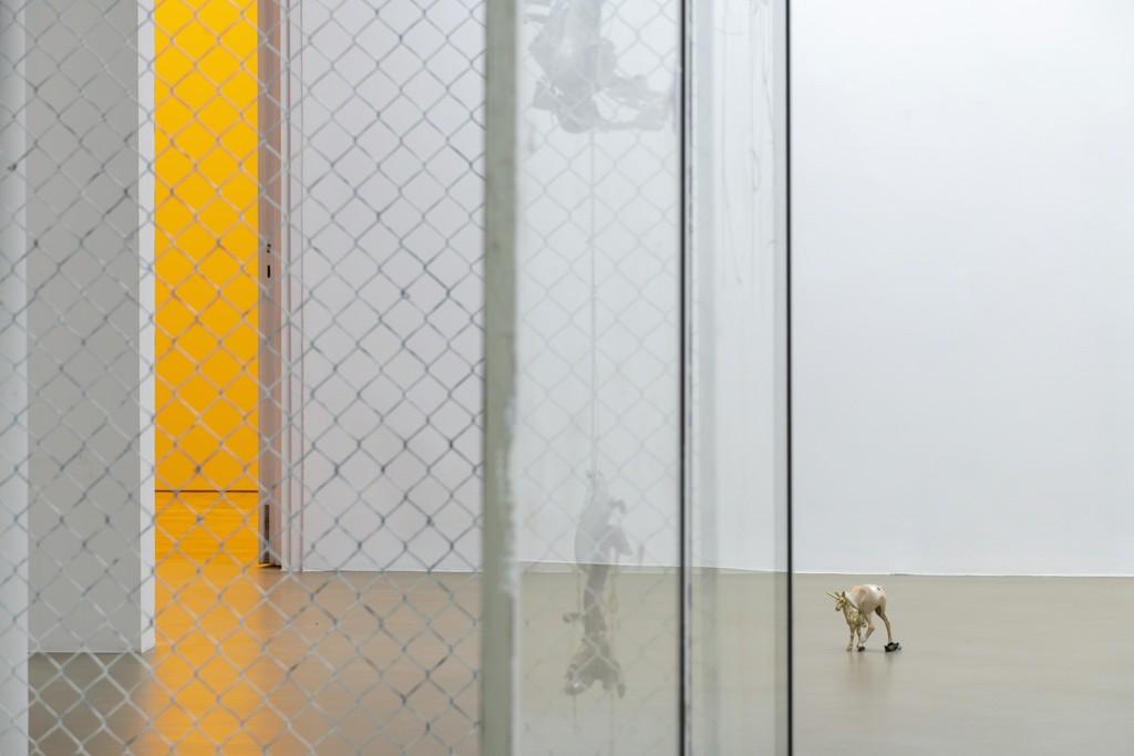David Douard, O'DA'OLDBORIN'GOLD, installation view at Galerie Chantal Crousel, Paris (2019). Photo : Martin Argyroglo