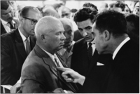 Elliott Erwitt, Moscow (Nikita Khrushchev and Richard Nixon)
