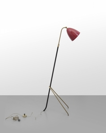 An extendable flooor lamp