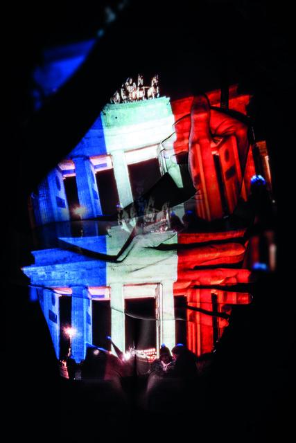 , 'DER BLICK AUF DIE WELT, Frau Anders, Das Brandenburger Tor in den französischen Nationalfarben angeleuchtet,' 2017, PRISKA PASQUER