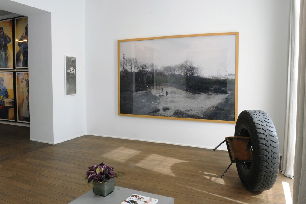 Kudzanai Chiurai - Dying to be men series (2009); Jean-Michel Basquiat - Untitled (1981); Luc Delahaye - Les bois de Calais (2007); Elisabetta Benassi - Prouvé! (2015)