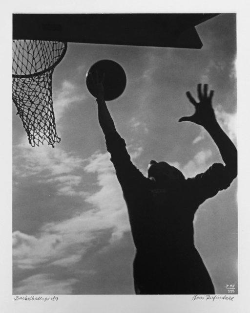 Leni Riefenstahl, 'Basketballspieler', 1936, The Art:Design Project