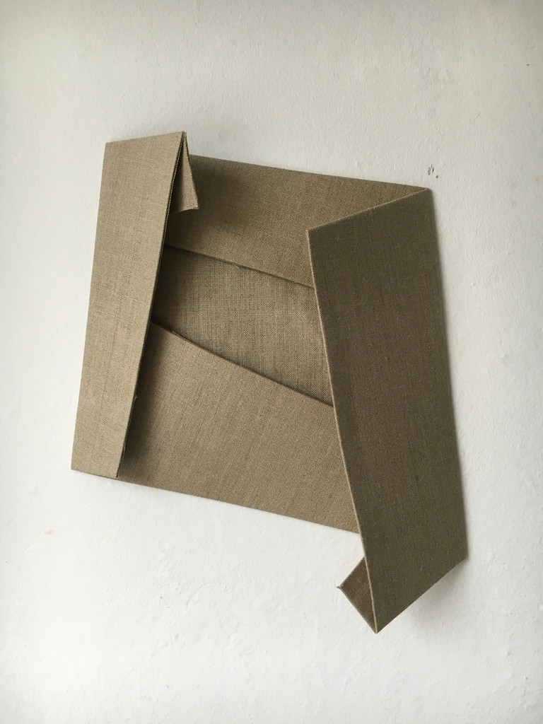 Folded Flat Linen 03