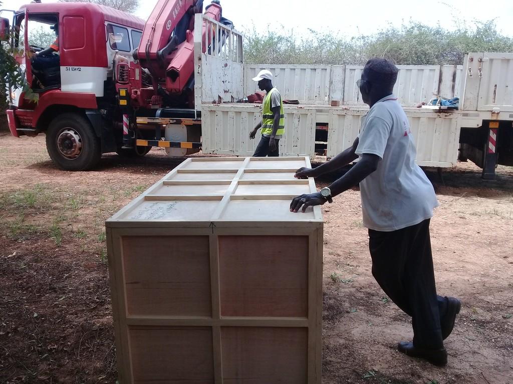 Crate leaves Seydi's studio in Senegal, july 2018