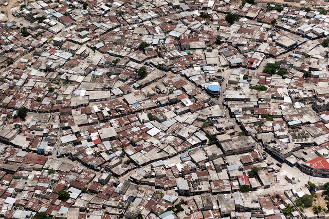 , 'Labyrinthe urbain à Port-au-Prince,' ca. 2010, The Print Atelier