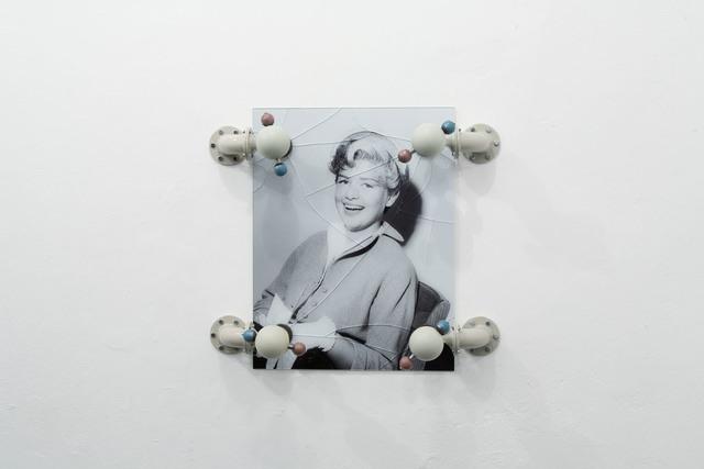 , 'Globales Phänomen,' 2012, Klemm's