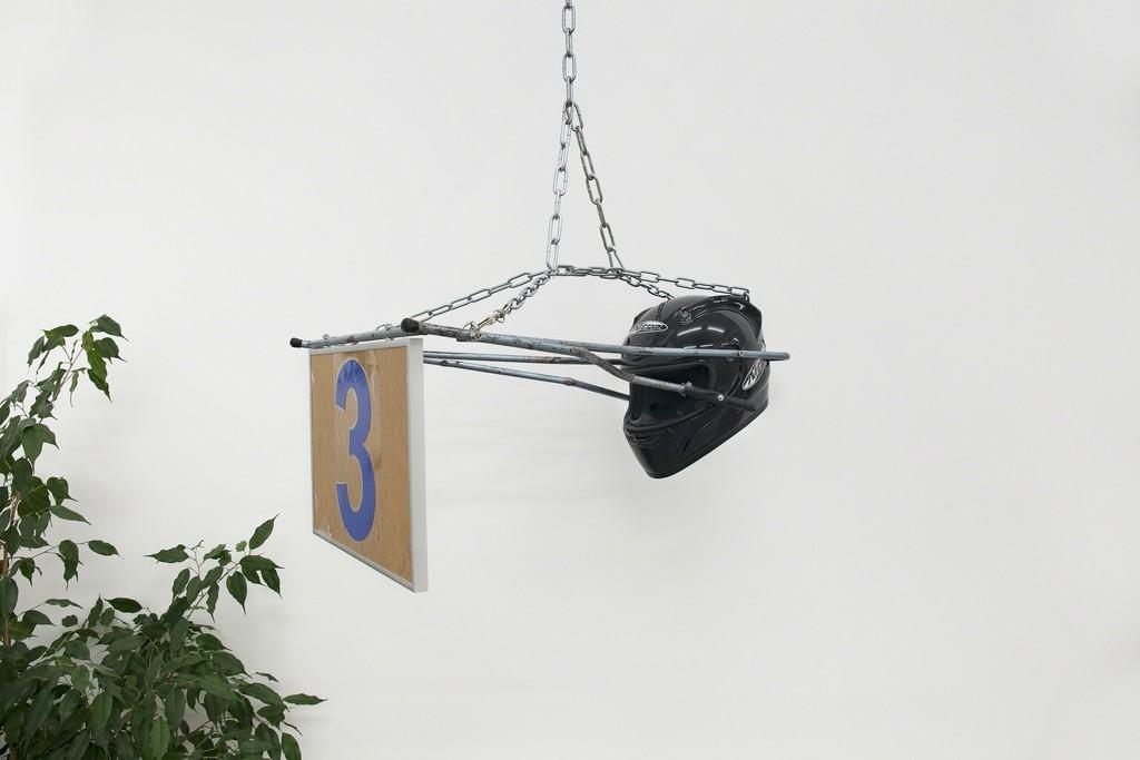 Kevin Kemter, Bildhelmausstellung, EIGEN + ART Lab, Photo: Otto Felber