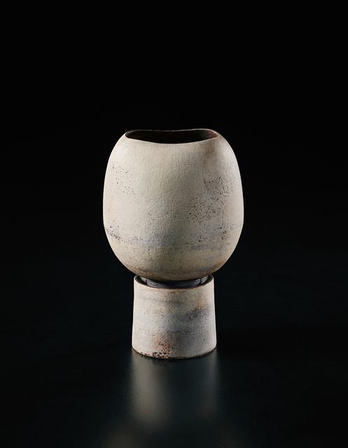 Hans Coper, 'Pot on cylindrical foot', ca. 1974, Phillips