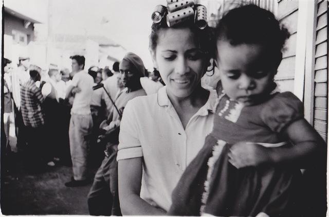 , 'Havana -  Woman with hair curlers carrying a little girl, Havana (Cuba series),' 1962-1963, Galerie Nathalie Obadia