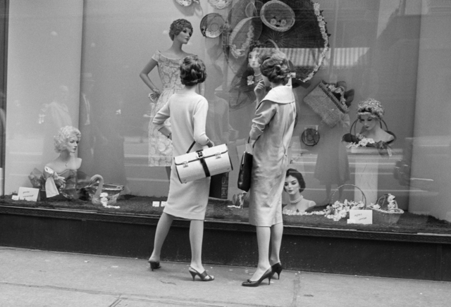 , 'w06332-33 –1956, Women window shopping,' 2015, KP Projects