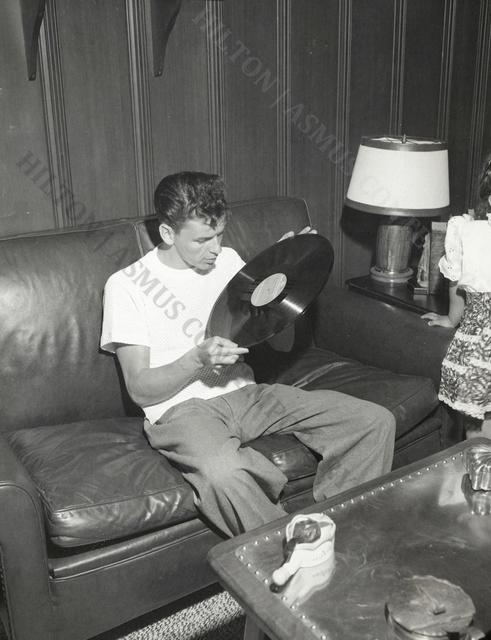 , 'Frank Sinatra - For the love of vinyl,' ca. 1945, Hilton Asmus