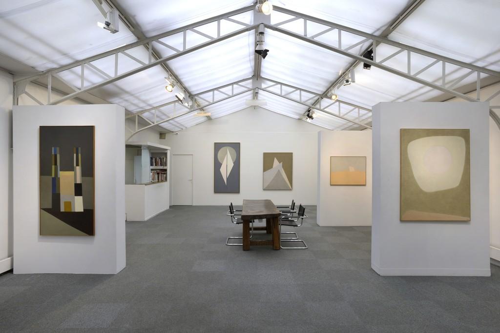 Installation view solo show Vera Pagava. © JL Losi