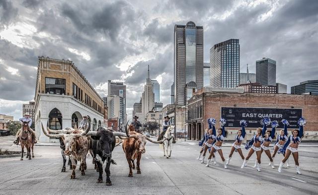 David Yarrow, 'The Dallas Cowboys', 2020, Photography, Black and white print, Isabella Garrucho Fine Art