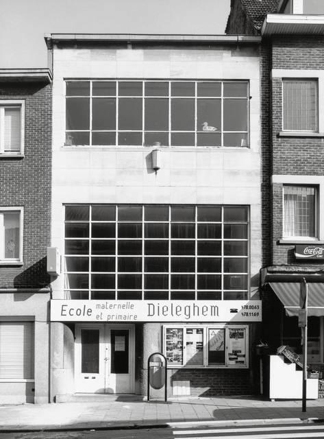 , 'Bruxelles (Ecole de la Commune Jette),' 1997, Thomas Fischer