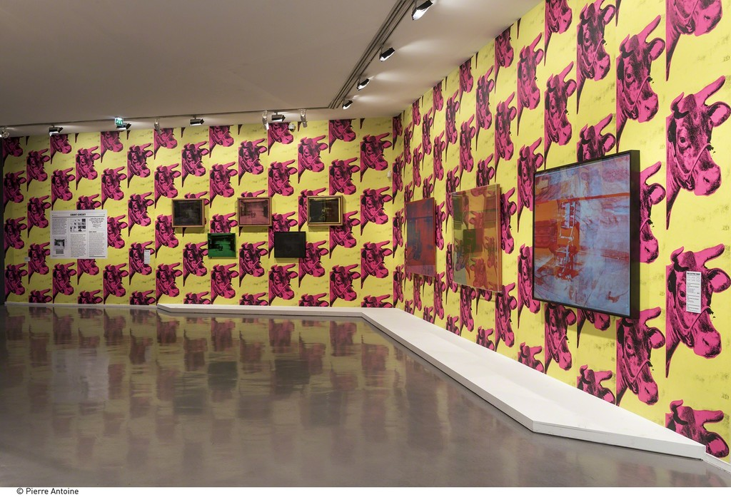 "Installation view of  ""Warhol Unlimited"" at Musée d'Art Moderne de la Ville de Paris (2015-2016) © Courtesy Dia Art Foundation, New York © The Andy Warhol Foundation for the Visual Arts, Inc. / ADAGP, Paris 2015 © Pierre Antoine"