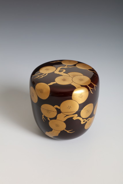 Ippyōsai VII Eizō, 'Tea Caddy with Ancient Pine Tree (T-4388)', Showa era (1926, 89), 1980's, Erik Thomsen