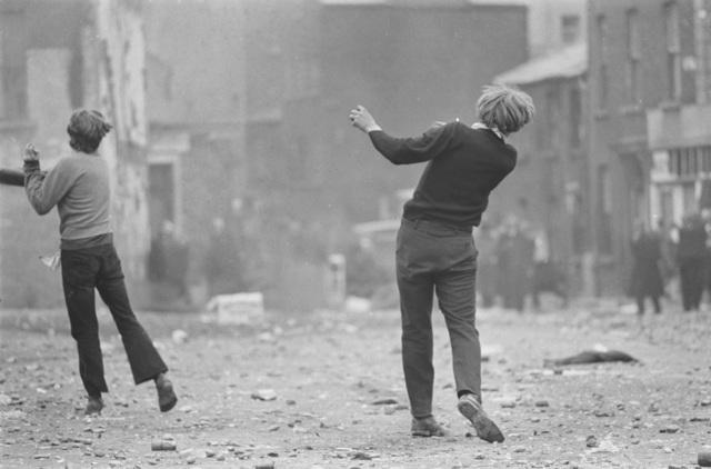 , 'Manifestations anticatholiques à Londonderry,' 1969, Jeu de Paume