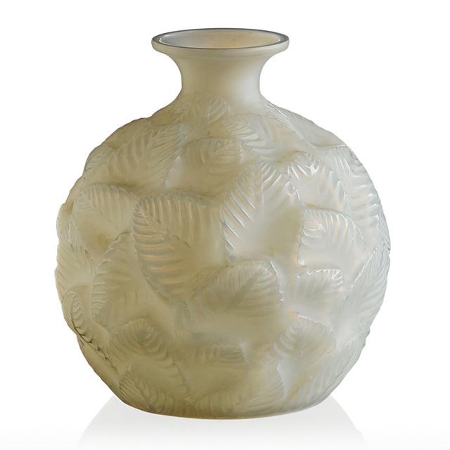Lalique, 'Ormeaux vase, France, M p. 435, no. 984', des. 1926, Rago