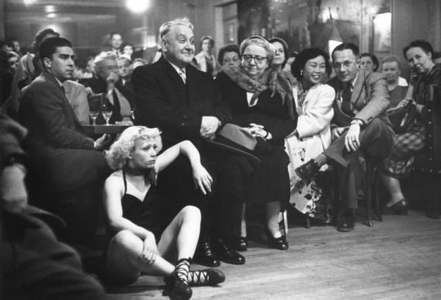 Robert Doisneau, 'Le Petit Balcon', 1953, Argentic