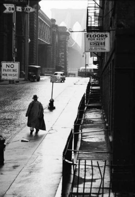 , 'Man walking toward Brooklyn bridge,' 1955, °CLAIR Galerie
