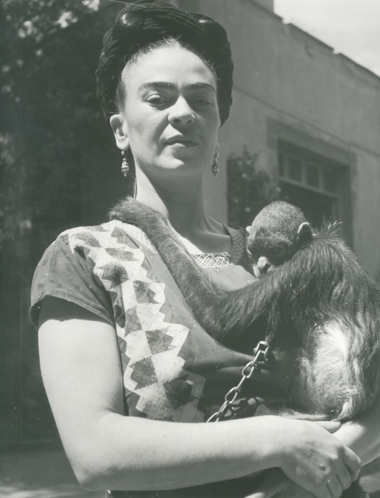 Rare Photographs Of Frida Kahlo Shed Light On Her -3952