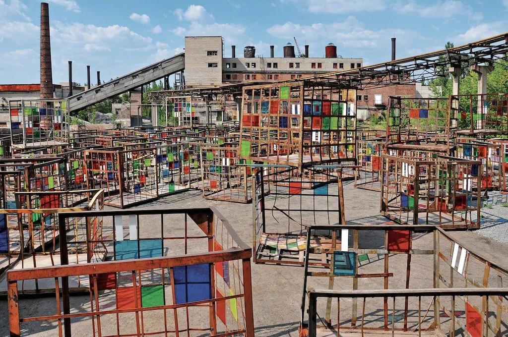 Daniel Buren Dans les filets, la couleur, 2012
