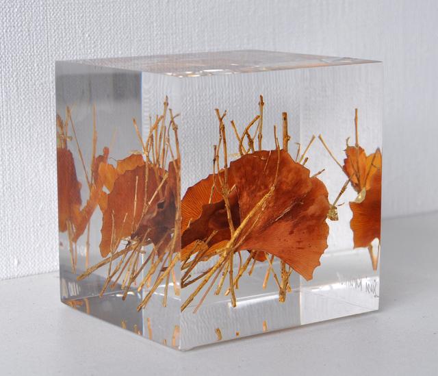 Susi Kramer, ' Gingko', 2016, Sculpture, Acrylglas Ginkgo leaves, Claudine Gil