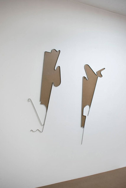Fuentesal & Arenillas, 'SIN TÍTULO (engaños)', 2021, Sculpture, Tablex and iron, F2 Galería